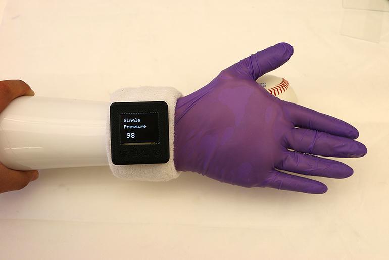 Pressure Sensing Glove
